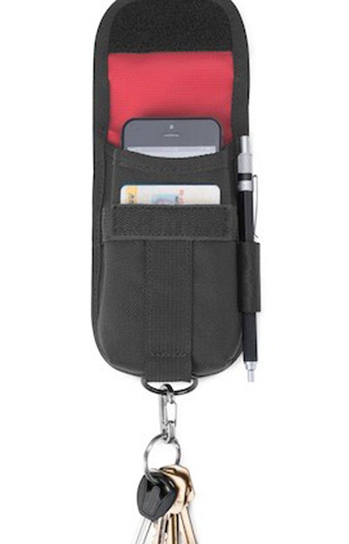 CHROME_1466792370_accessorypouch_blackred_v5_1